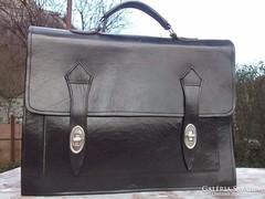 Férfi Irattáska-ügyvédi táska fekete,bőr 40x30 cm