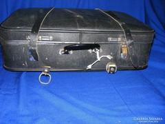 Régi koffer, bőrönd bőr szíjjal