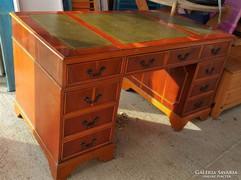 Antik bútor, intarziás barokk íróasztal