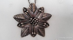 Hatalmas  antik ezüst medál és kitűző