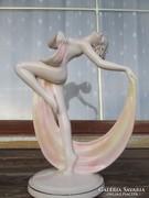 Nem mindennapi antik ELBOGEN majolika táncosnő