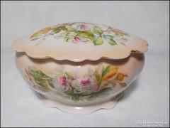 Bájos rózsás porcelán ékszertartó , jelzett M. Z. Austria