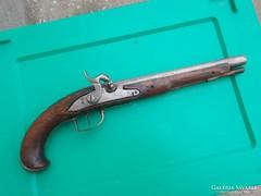 Átalakított kovás pisztoly az 1700-as évekből