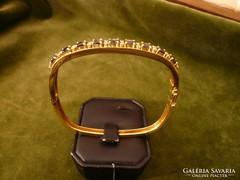 18K arany karkötő kék zafírokkal és brillekkel