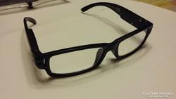 Olvasó szemüveg világítással + 1,5
