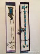 Ezüst medál,  nyaklánc, karkötő, fülbevaló és gyűrű