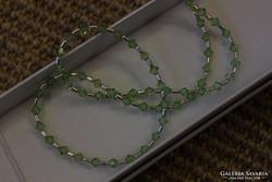 Ezüst nyaklánc zöld swarowski kővel