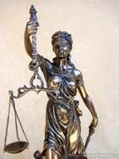 ÉRTÉKES JUSTITIA EXKLUZÍV NAGY PORCELÁN-BRONZ SZOBOR