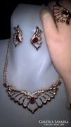 Csodálatos ékszerszett:nyaklánc, fülbevaló, karkötő és gyűrű