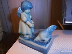 Sinkó porcelán figura