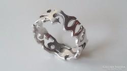 Nonfiguratív ezüst gyűrű 925