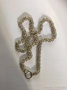 Súlyos ezüst lánc