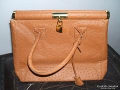 Csodaszép  struccbőr táska