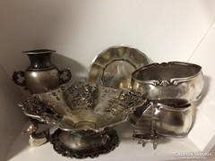 Antik ezüst tárgyak,vitrin díszek