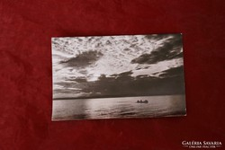 Napnyugta a Balatonon - képeslap
