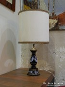 Asztali lámpa antik motívumokkal
