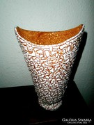 Gorka  jelzett váza