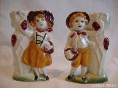 Antik porcelán figurás vázapár