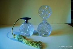 Parfümtartó és parfümfújó üveg