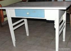 Régi  asztal felújitásra