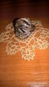Szép ezüst gyűrű foglalt cirkon kövekkel