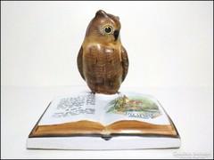 Bodrogkeresztúri olvasó bagoly szobor