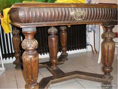 Antik 8 fős asztal kuriózum tölgyfa alapon