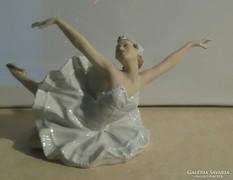 Káprázatos Schaubach Kunst porcelán balerina