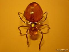 Borostyán köves pók kitűző, bross vagy dísztárgy