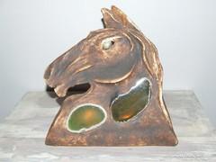Ló alakú kerámia mécses tartó féldragakő betéttel