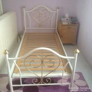 2darab kovácsoltvas ágy, matraccal