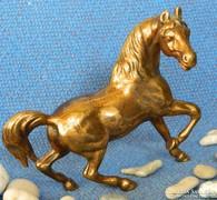 Szép bronz ló szobor