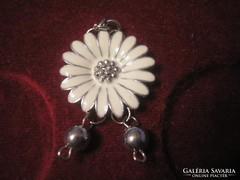 Fehér tűzzománc virág medál