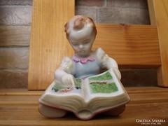 Herendi Olvasó Lány