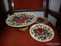 Antik steidl znaim majolika kínáló tányérokkal