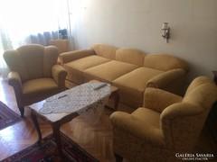 Gyönyörű felújított nappali bútor