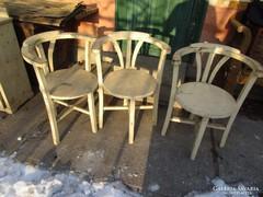 Fenyőfa karos székek