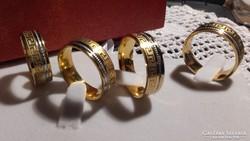 Óriás méretű   gyűrűk.