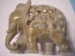 Jade faragott művészi elefántcsalád hasában bébivel U11