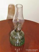 Üveg petróleum lámpa