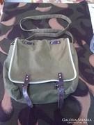 Retró táska talán katonai is lehet