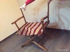 Összecsukható fa rendezői szék