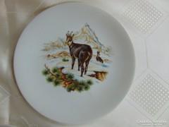 Porcelán vadászmotívumal