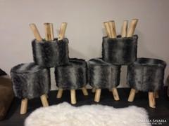 Skandináv székek eladóak szőrős három lábú fa