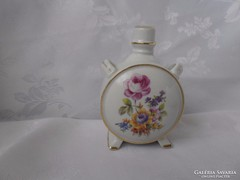 Virágmintás porcelán kulacs