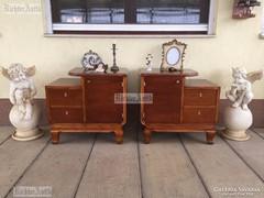 Antik bútor, felújított éjjeli szekrények.