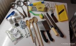 Képen látható összes konyhai eszközök