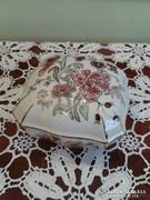 Zsolnay nagy bonbonier 10,5 cm X 10,5 cm