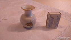 Herendi porcelán kis váza. Egy 7 részes készlet darabja.