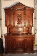 Gyönyörű antik ónémet  faragott tálaló szekrény!